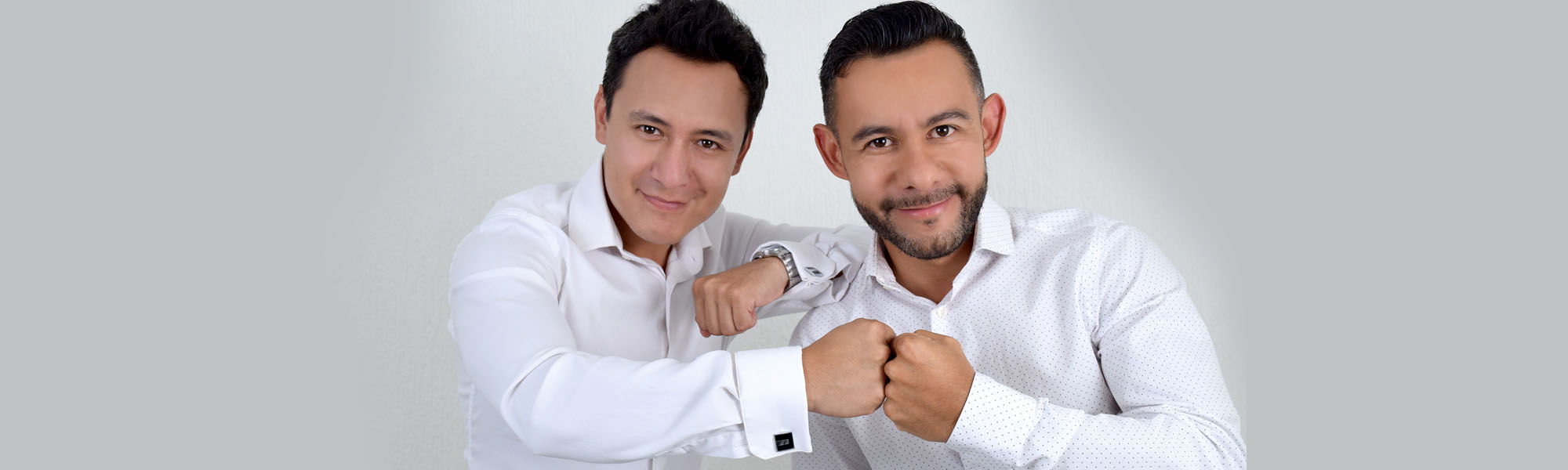 Conferencistas Mexicanos Famosos - Con más de 8 años motivando Único dúo de Conferencistas Mexicanos, de Alto Impacto, dinámicos, divertidos, cantantes profesionales.